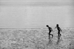 Kinder am Strand, Strandspiele