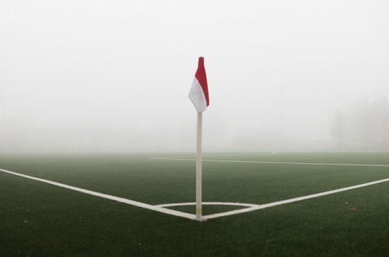 Eckfahne und Mittelline, Sportfotografie ;-)