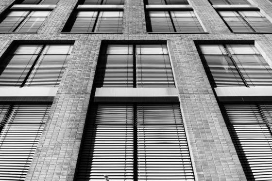 Fenster, Fassade eines Bürogebäudes, Münster, Hafen