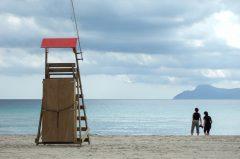 Personen am Strand / Alcudia