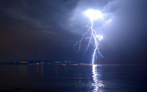 Gewitter, Blitz, Foto vom Bodensee. Wetterfoto